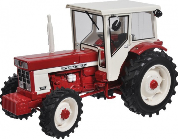 Tracteur 1046 International 1/32e